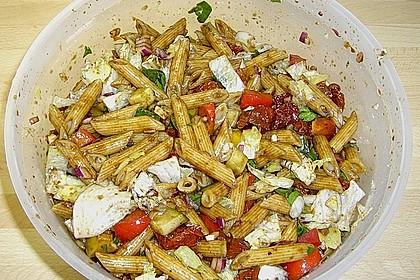 Italienischer Nudelsalat mit Rucola und getrockneten Tomaten 58