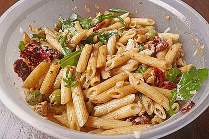 Italienischer Nudelsalat mit Rucola und getrockneten Tomaten 67
