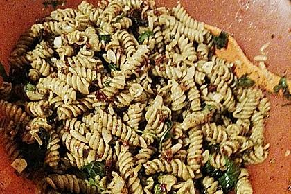 Italienischer Nudelsalat mit Rucola und getrockneten Tomaten 87