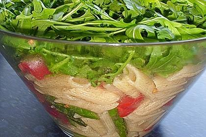 Italienischer Nudelsalat mit Rucola und getrockneten Tomaten 79