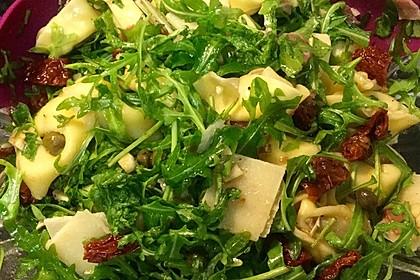 Italienischer Nudelsalat mit Rucola und getrockneten Tomaten 51