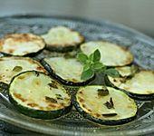 Gebratene Zucchini in Olivenöl (Bild)