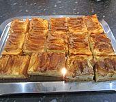 Apfelkuchen mit Zucker und Zimt (Bild)