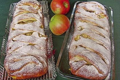 Apfelkuchen aus Hefemürbteig 8