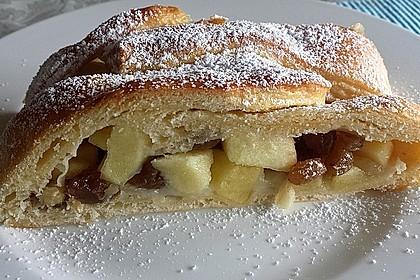 Apfelkuchen aus Hefemürbteig 18