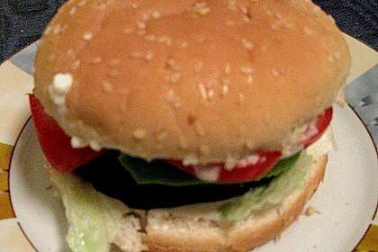 Tomaten-Auberginen-Avocado-Burger 88