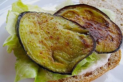 Tomaten-Auberginen-Avocado-Burger 71