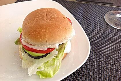 Tomaten-Auberginen-Avocado-Burger 80