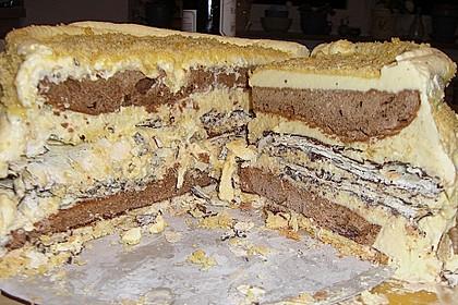 Weiße Vanille - Mascarpone - Mousse au Chocolat -Torte mit Mandelkrokant und dreierlei Böden 1