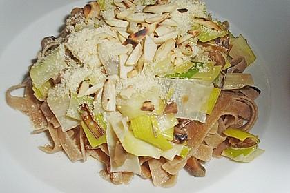 Breite Bandnudeln mit Lauch - Maronen - Rahm und altem Parmesan 2