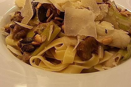 Breite Bandnudeln mit Lauch - Maronen - Rahm und altem Parmesan 1
