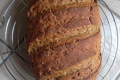 Herzhaftes Weizenmischbrot ohne Sauerteig (Bild)