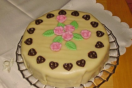 Marzipantorte mit White - Chocolate - Cream Füllung 12