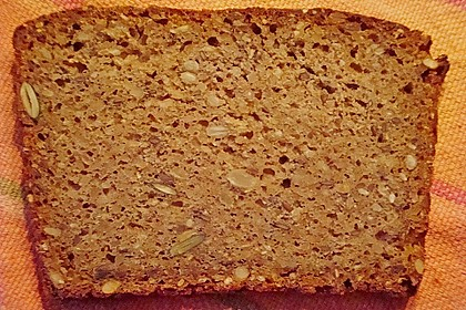 Saftiges Mehrkorn - Schrotbrot mit verschiedenen Saaten 14