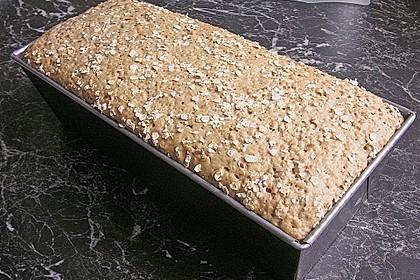 Saftiges Mehrkorn - Schrotbrot mit verschiedenen Saaten 29