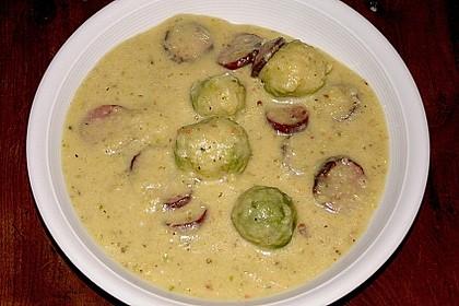 Rosenkohlsuppe mit Cabanossi und Basilikum 2