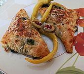 Blätterteig-Dreiecke mit Spinat und Feta (Bild)