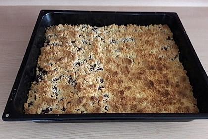 Hefekuchen vom Blech mit Pudding und Streuseln 8