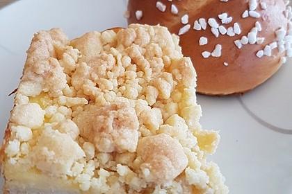 Hefekuchen vom Blech mit Pudding und Streuseln 3