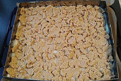 Hefekuchen vom Blech mit Pudding und Streuseln 28