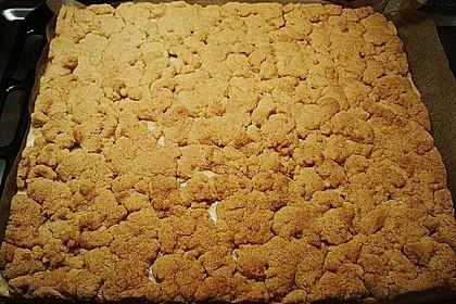 Hefekuchen vom Blech mit Pudding und Streuseln 25