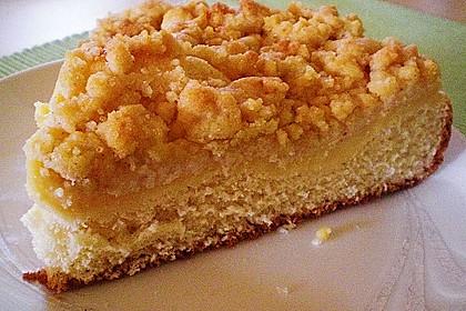 Hefekuchen vom Blech mit Pudding und Streuseln 5