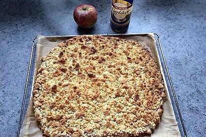 Hefekuchen vom Blech mit Pudding und Streuseln 12