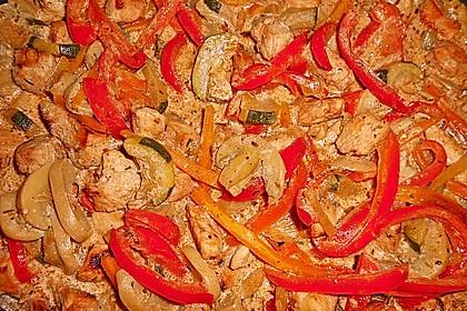 Mediterrane Gemüsepfanne mit Hähnchenbrustfilet 19