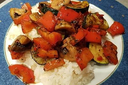 Mediterrane Gemüsepfanne mit Hähnchenbrustfilet 18