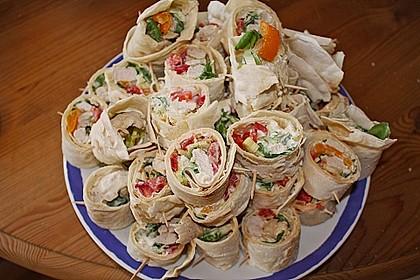 Chicken Wrap mit Gemüse, Guacamole und Crème fraîche 7