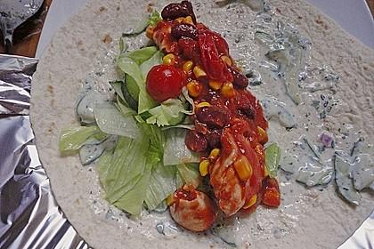 Chicken Wrap mit Gemüse, Guacamole und Crème fraîche 32