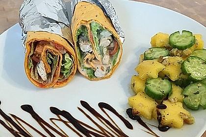 Chicken Wrap mit Gemüse, Guacamole und Crème fraîche 2