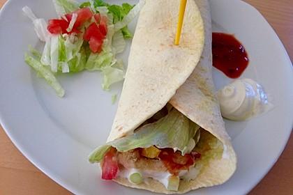 Chicken Wrap mit Gemüse, Guacamole und Crème fraîche 9