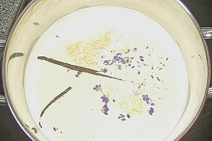 Lavendel Panna Cotta mit Fruchtsauce 1