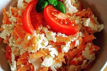 Blumenkohlsalat mit Möhren (Bild)