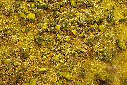 Marmorierte Himbeer - Mascarpone - Blondies mit weißer Pistazienkrokant - Canache 8