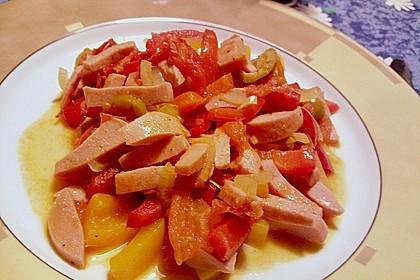 Paprikaschoten, Tomaten und Fleischwurst