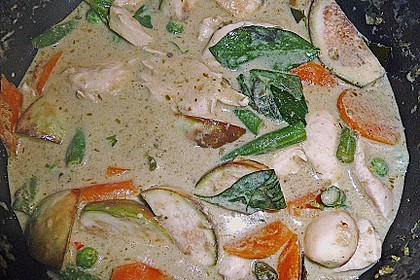 Grünes Thai - Curry mit Huhn 6