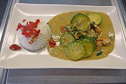 Grünes Thai - Curry mit Huhn 1