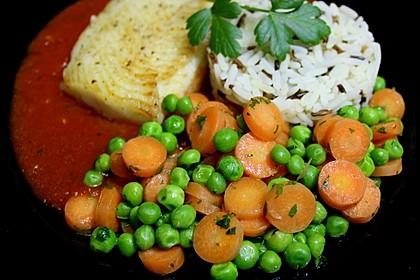 Frisches Erbsen - und Möhrengemüse