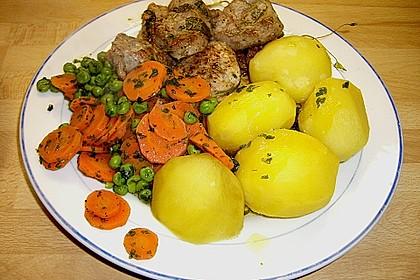 Frisches Erbsen - und Möhrengemüse 7