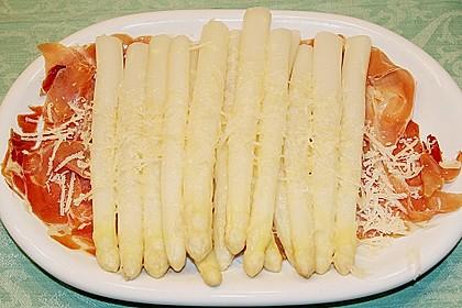Spargel mit Serranoschinken und frischem Parmesan