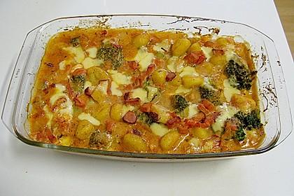 Gnocchinudeln-Tomaten-Brokkoliauflauf