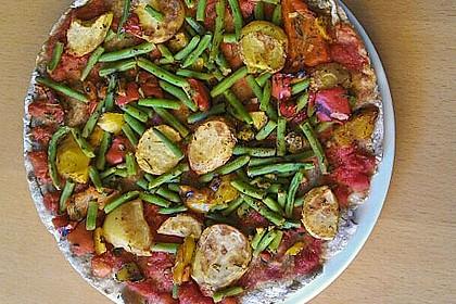 Vollkornpizza mit Kartoffeln und Rosmarin