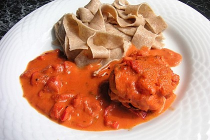 Hähnchenfilets mit würziger Tomatensoße 2