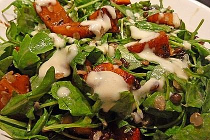 Feldsalat mit Belugalinsen und lauwarmen Süßkartoffeln 3