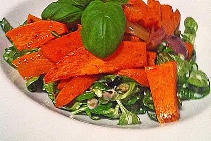 Feldsalat mit Belugalinsen und lauwarmen Süßkartoffeln 8