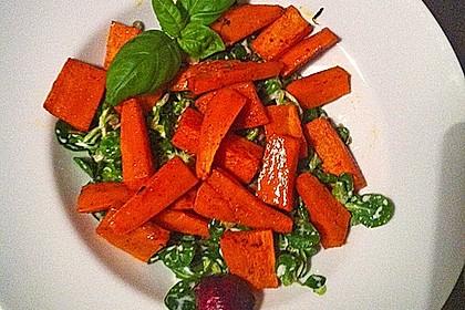 Feldsalat mit Belugalinsen und lauwarmen Süßkartoffeln 10