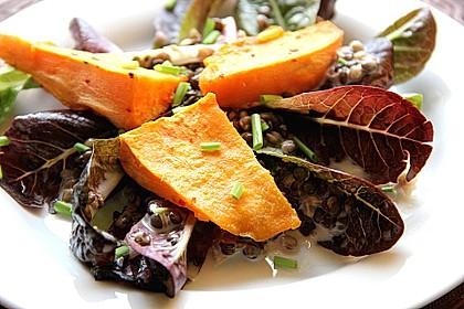 Feldsalat mit Belugalinsen und lauwarmen Süßkartoffeln 2