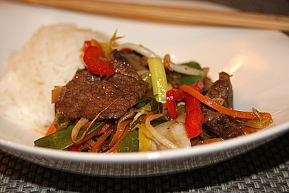 Gemüsepfanne mit Rindfleisch